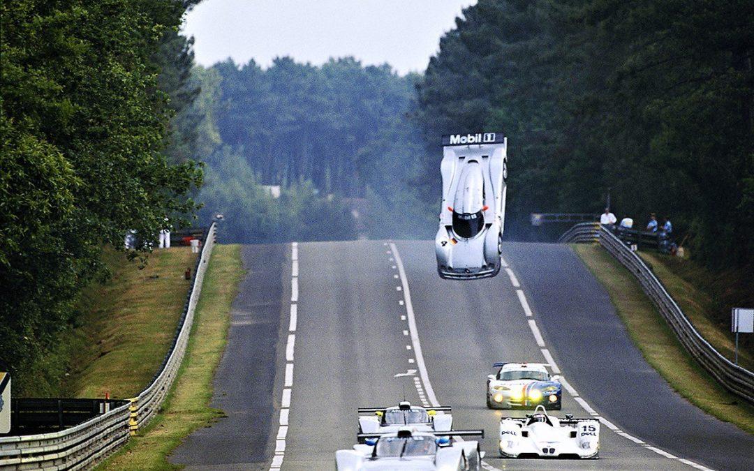 Mercedes-Benz CLR, el coche que quería volar