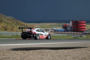 La humedad y el calor dan la bienvenida al Racing Weekend