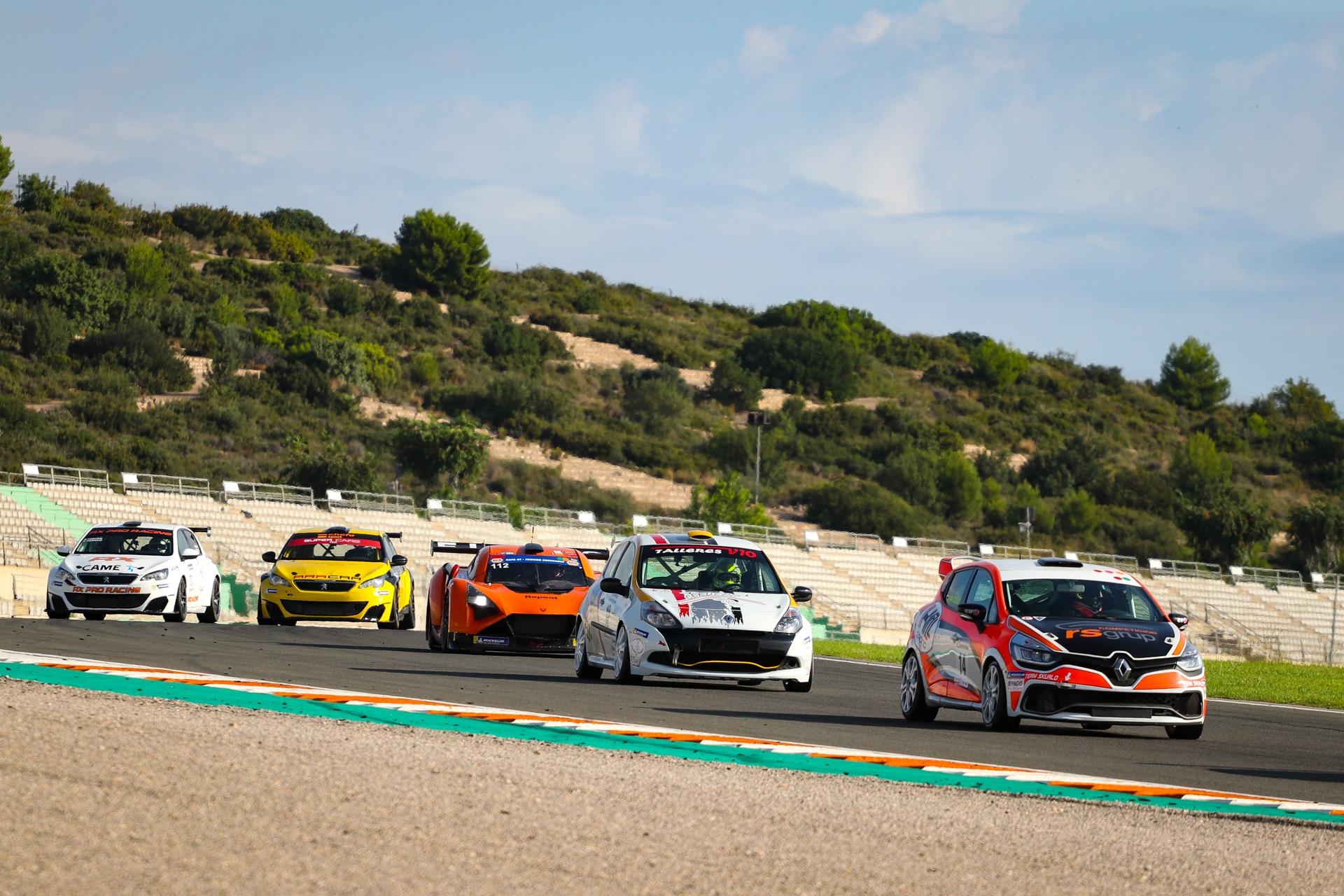 Mercedes y Vortex se reparten las victorias del GT-CER en Valencia