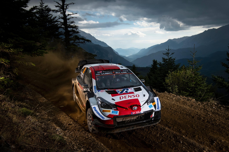Toyota mantiene el pulso a Hyundai antes de encarar el último tramo del WRC